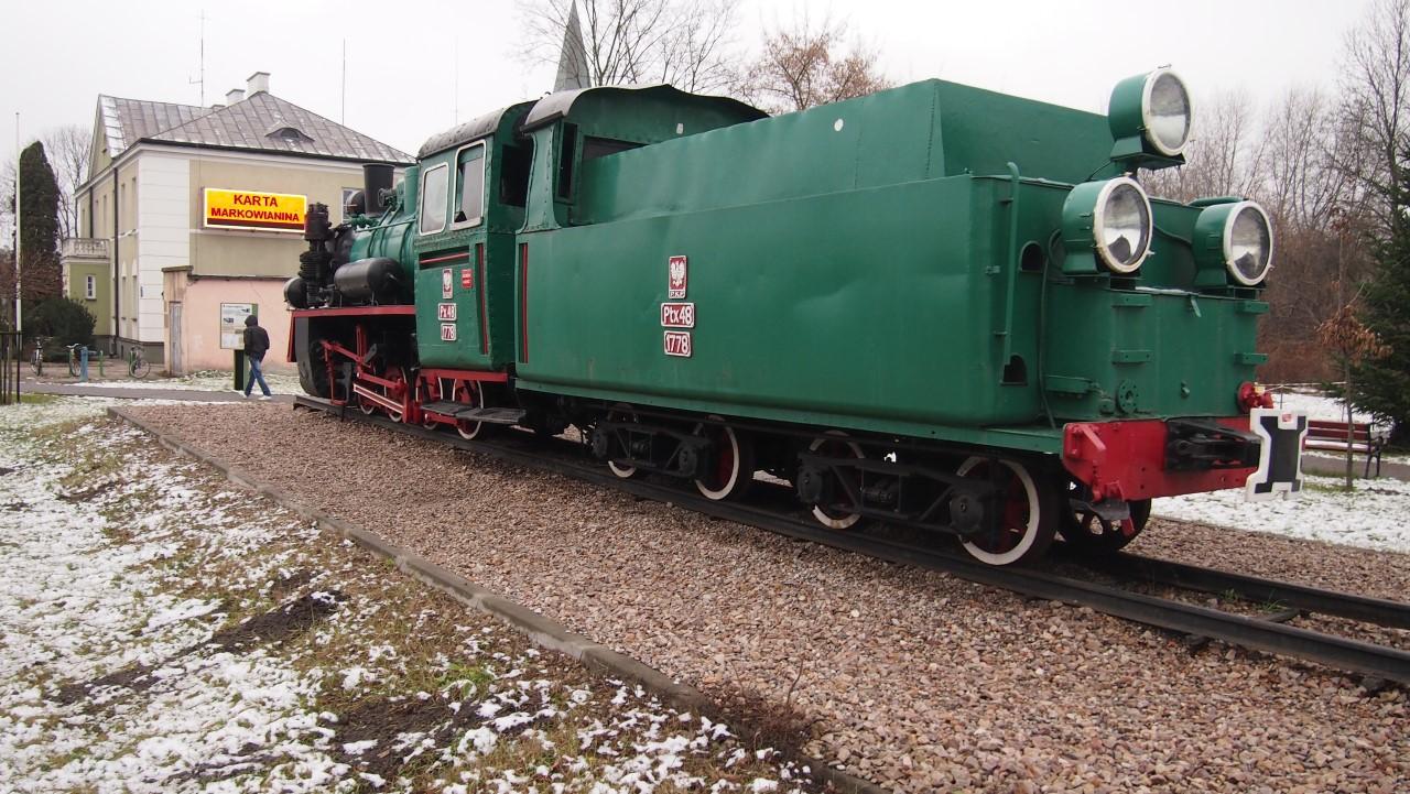 narrow gauge steam engine px48 view 1