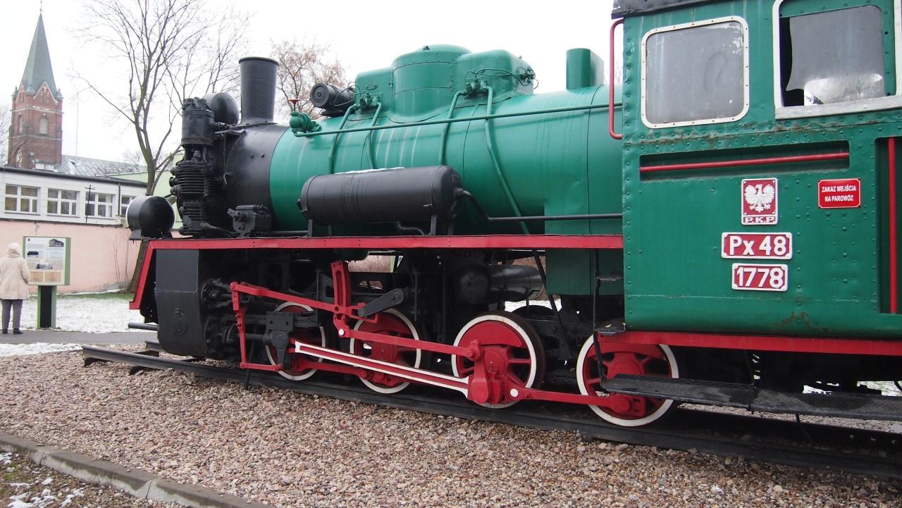 narrow gauge steam engine px48 view 3