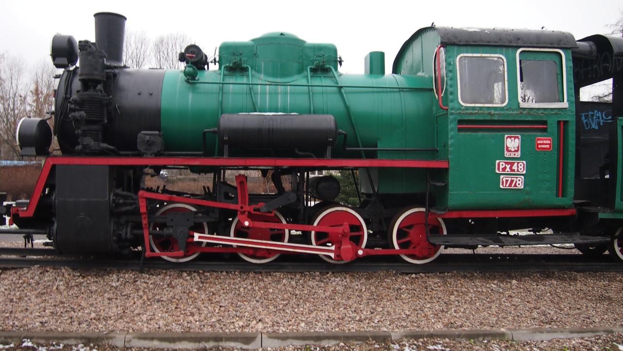 narrow gauge steam engine px48 view 4
