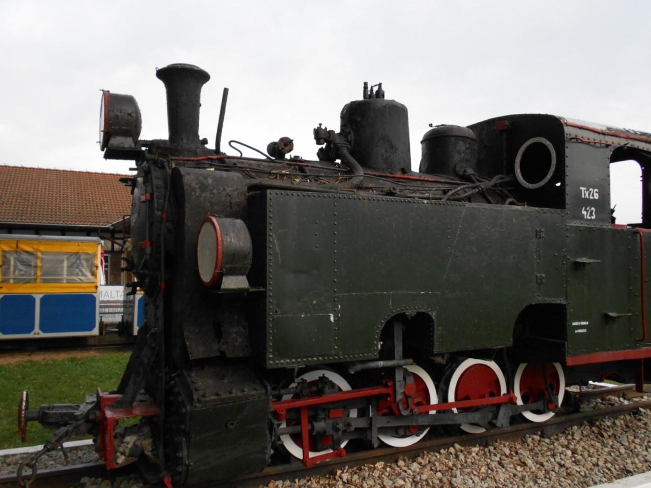 narrow gauge steam engine tx26
