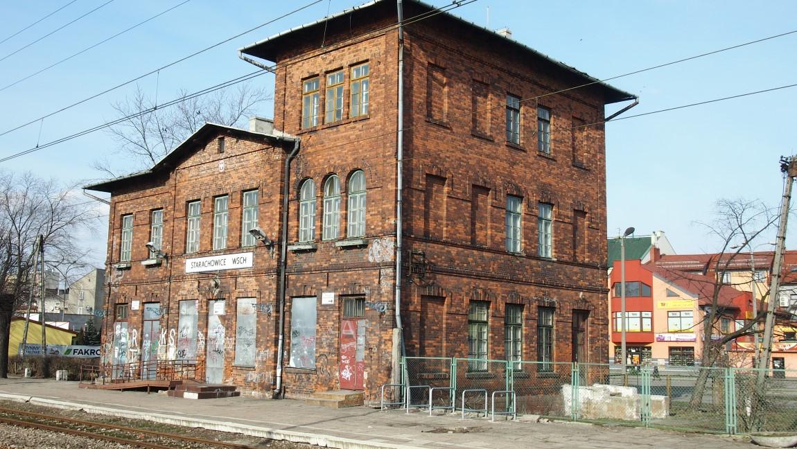 Starochowice West Station Back Quarter