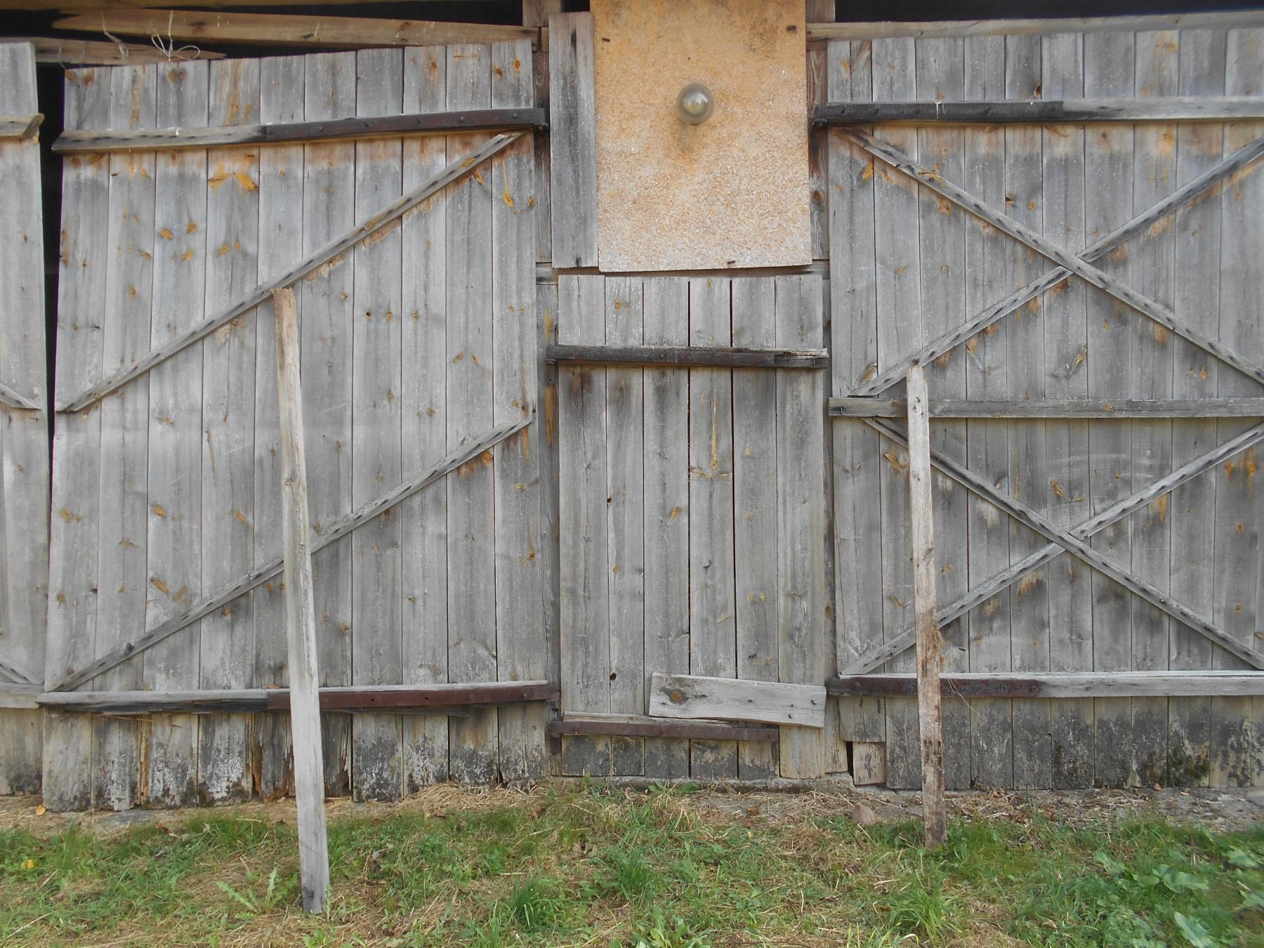 wood barn kiciny