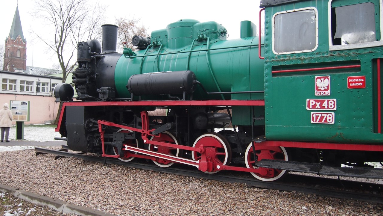 narrow gauge steam engine px48 view 3