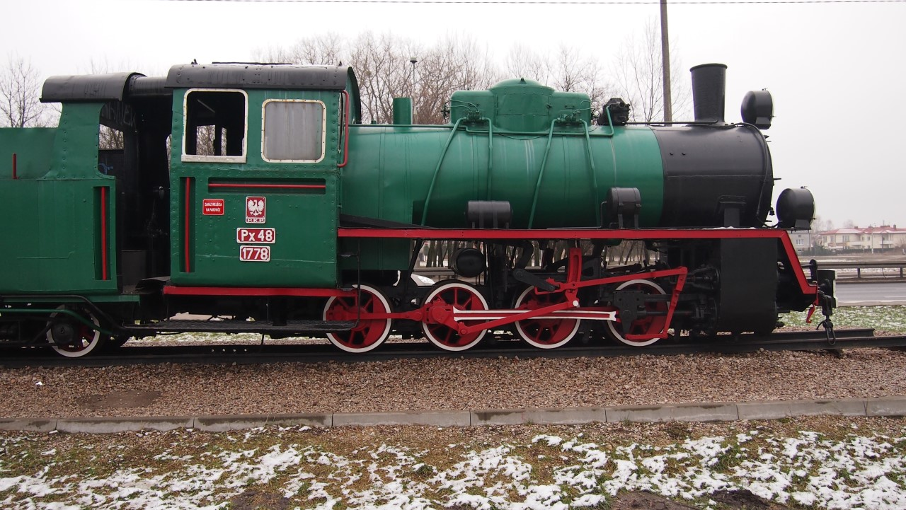 narrow gauge steam engine px48 view 8