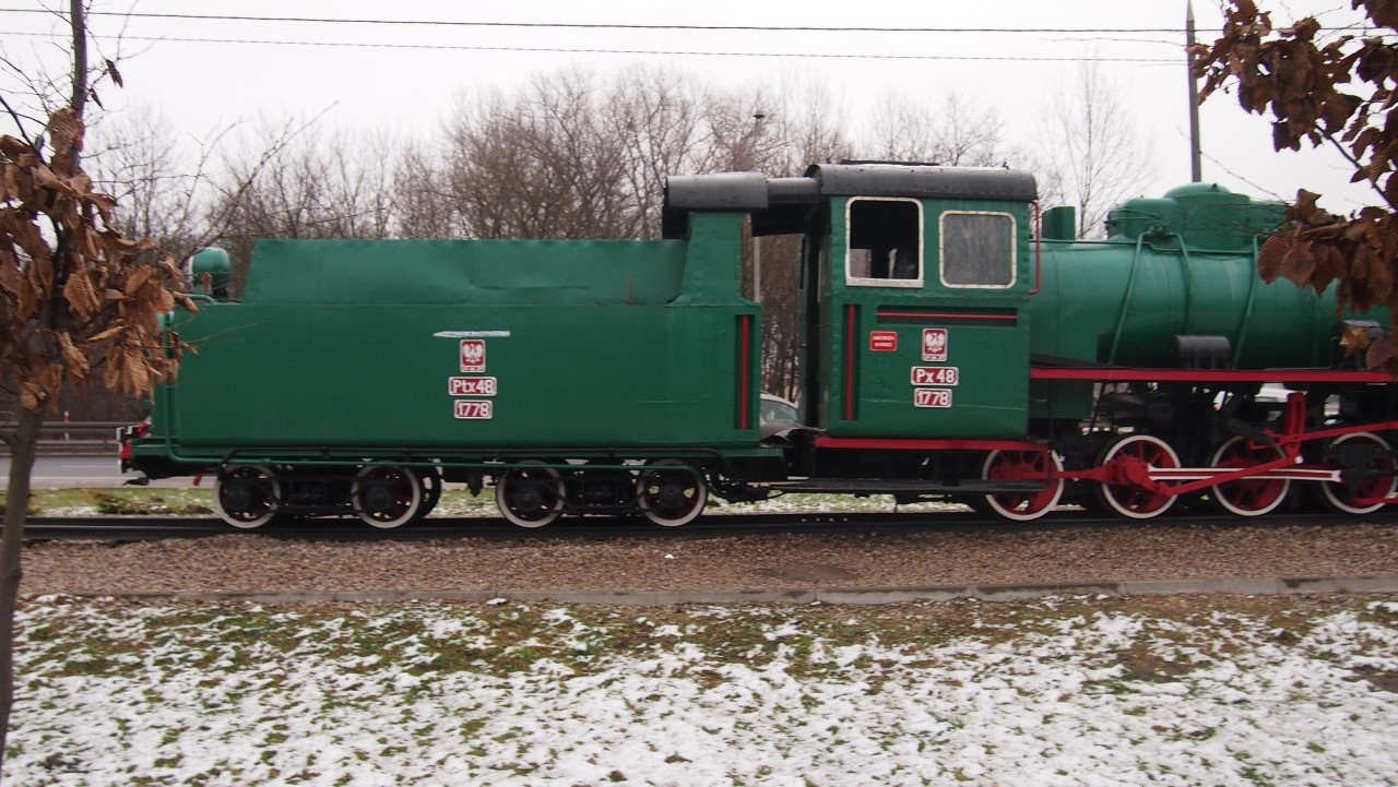 narrow gauge steam engine px48 view 9